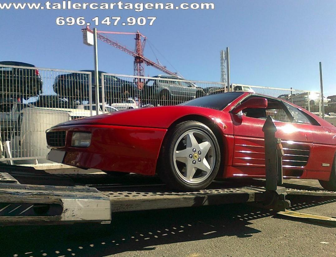 Camión portacohes para transporte nacional de coches deportivos Ferrari Lamborghini Maserati Porsche Corvette
