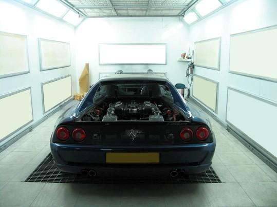 Cabina de pintura - Especialistas en Ferrari y coches de colección